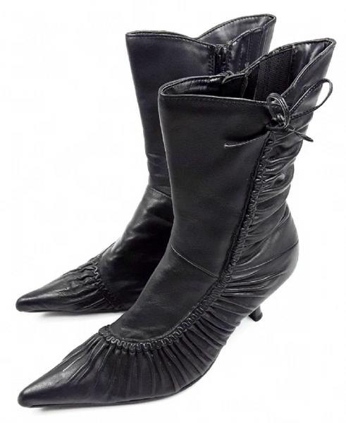 womens leather vintage ruffle boot black UK5