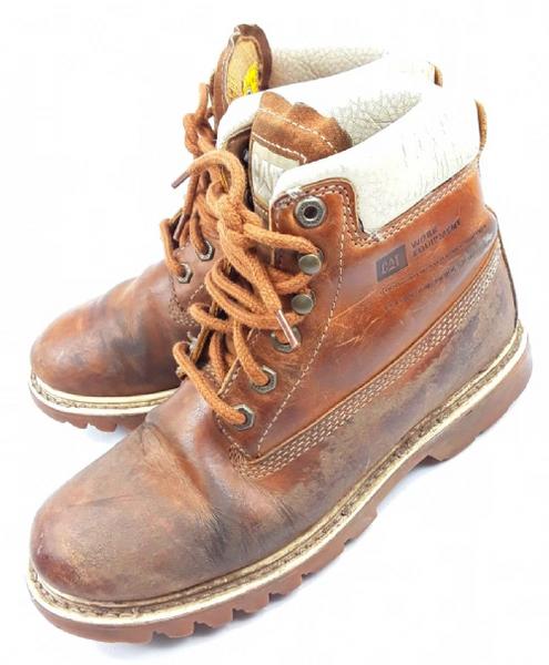 Women's 90's vintage cat boots size 6