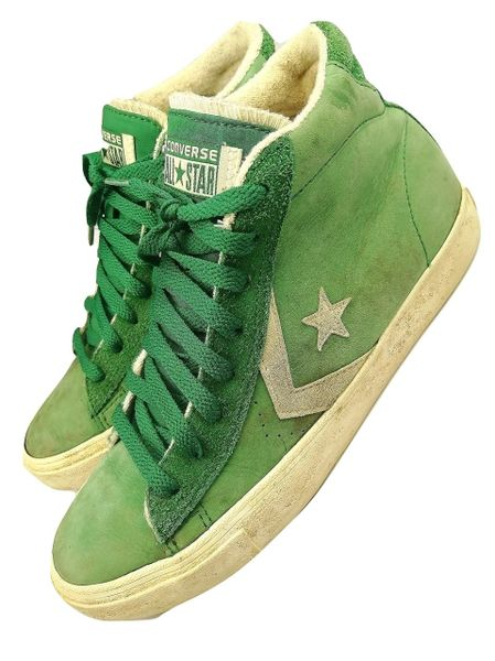 2009 classic suede converse hightop boots, size uk 6
