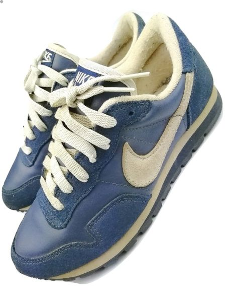true vintage nike sneakers size uk 5.5 original issued 2003