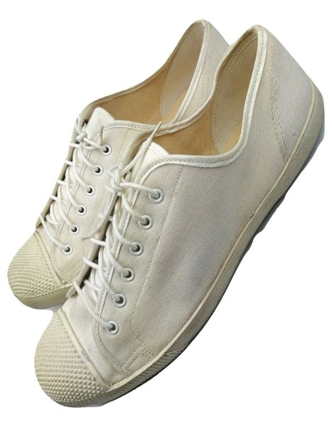 true vintage mens pumps from the early 1980s size uk 10