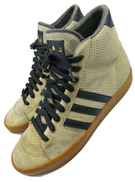 2004 true vintage adidas hightops UK 9