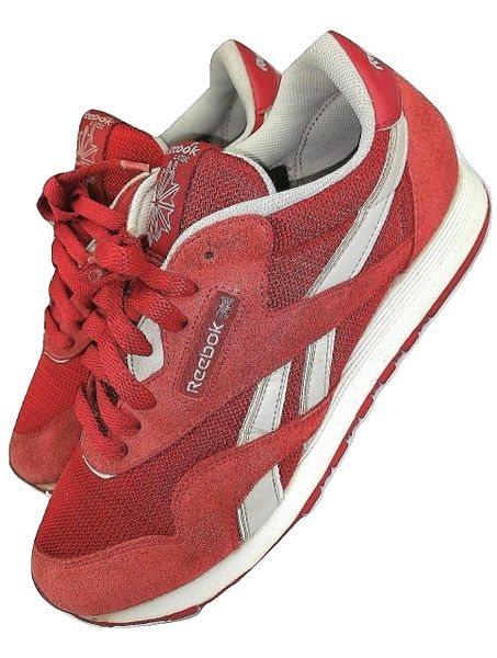 classic oldskool reebok sneakers size uk 7 issued 2008