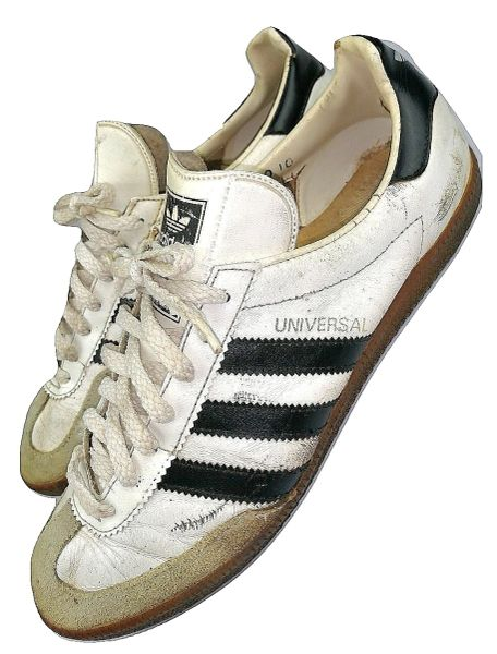 true vintage adidas universal, mens trainer size 9 issued 1986
