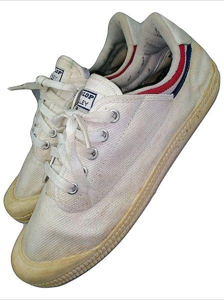 1980's true vintage dunlop volley sports sneakers