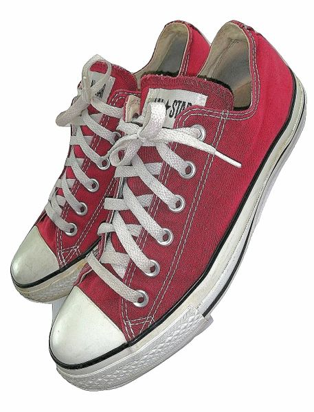 2004 true vintage red converse pumps size 8