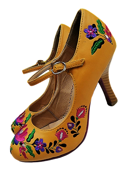Size 4 Womens leather shoes Retro heels