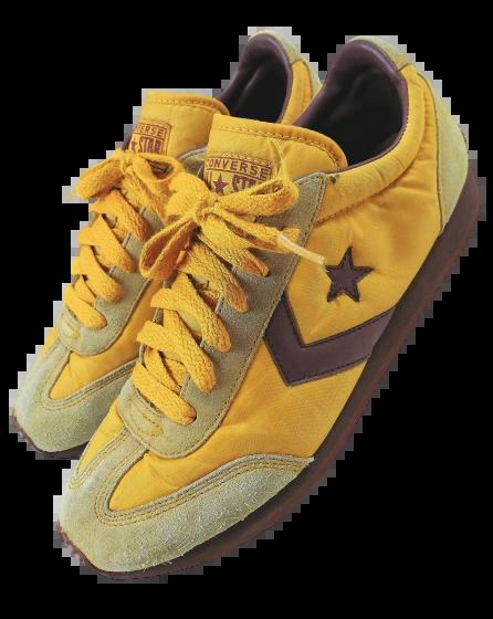 Size 9 true vintage converse sneakers 1995