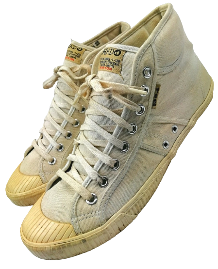 Size 9 Oldskool baseball boots,