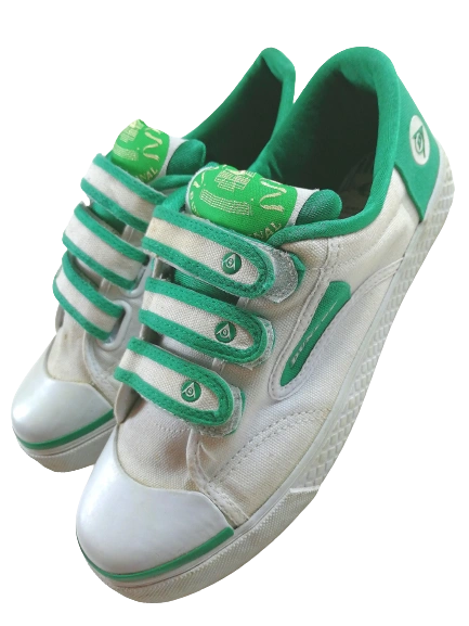 Size 7 vintage green flash trainers 2008