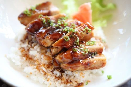 Previous Item: Staff Meal: Honey & Soy Glazed Chicken with Fried Rice and a Kimchee Salad (substitute available) - (Time to Cook: 30 Min. / Cook by Day: Friday)