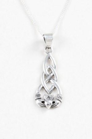 Claddagdh with Long Knotwork