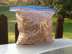 Shaved red oak micro chip hardwood smoker wood chips