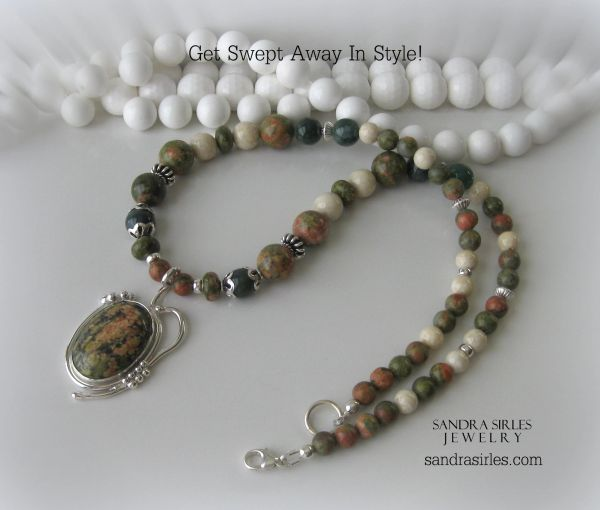 ABUNDANCE AND KINDNESS NECKLACE