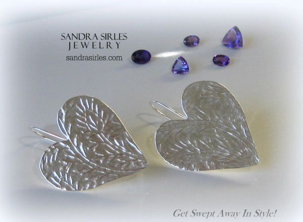 EARRINGS STERLING SILVER HEART WITH INDIAN LEAF DESIGN