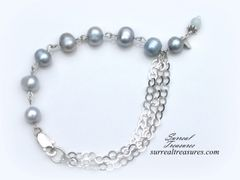PALE BLUE PEARLS BRACELET