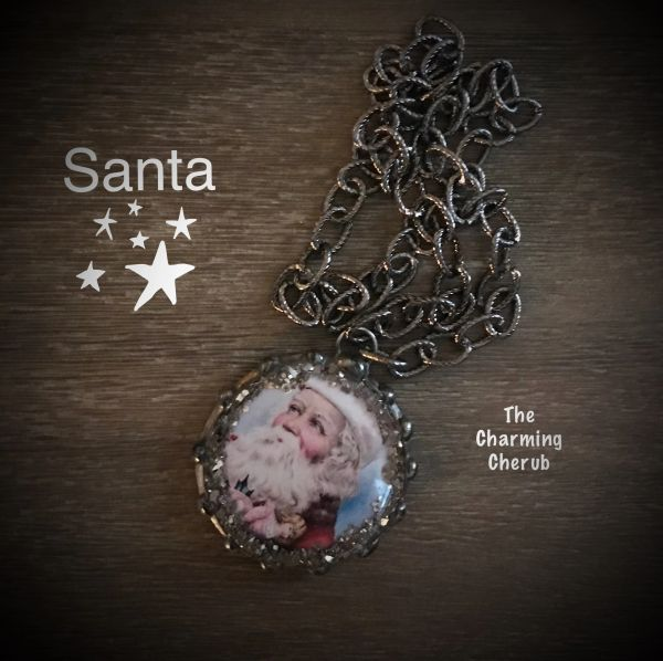 Round Santa necklace