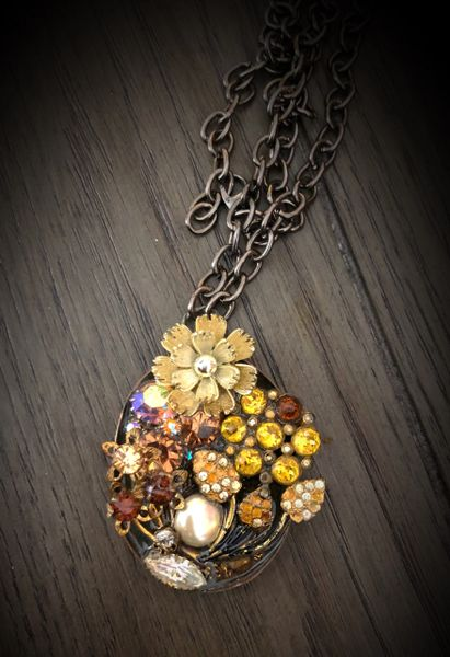 Vintage pieces necklace