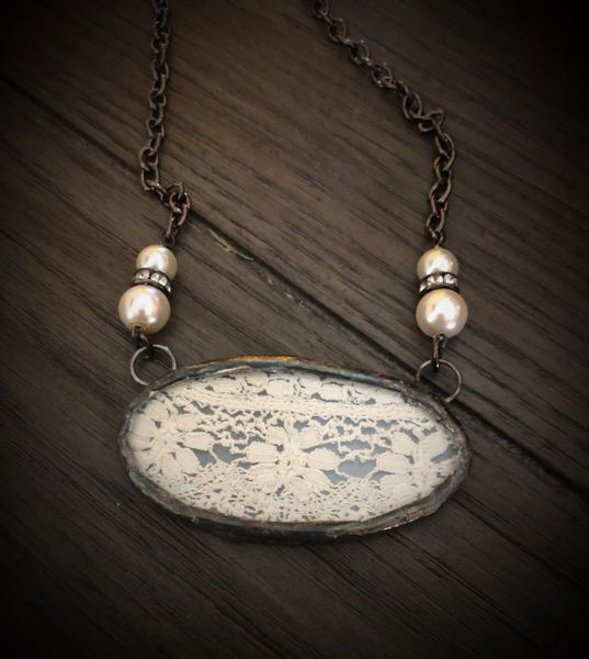 Oval antique lace necklace