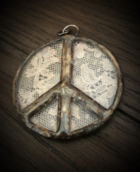 Peace sign with intake lace