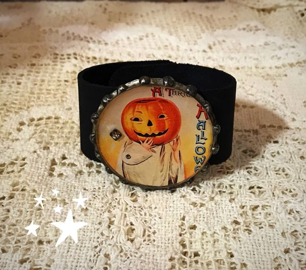 Pumpkin girl cuff