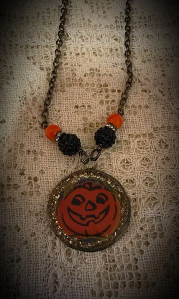 Pumpkin round necklace