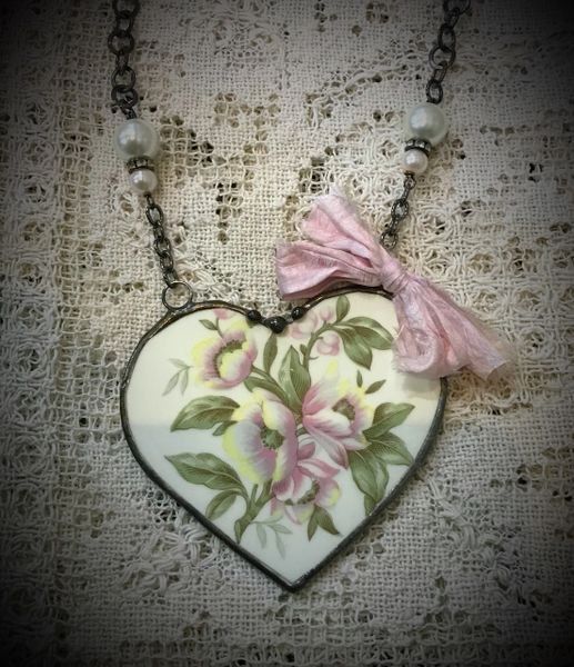 Statement heart necklace broken china