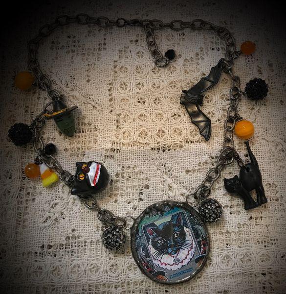 Black cat round lipstick mirror necklace