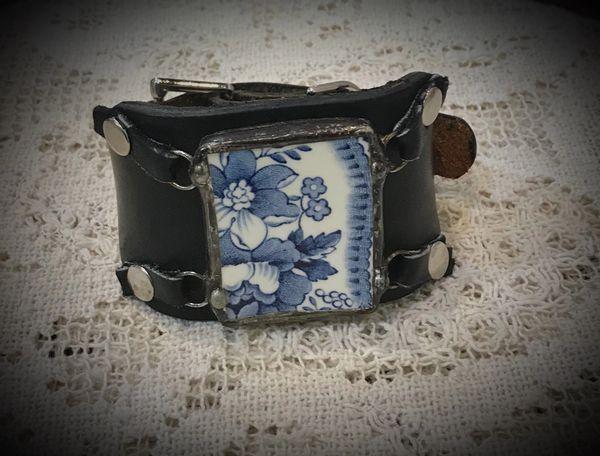Broken china blue cuff