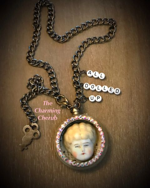 All dolled up necklace