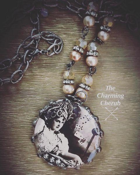 Fortune teller necklace