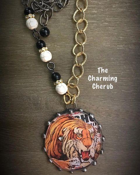 Circus tiger necklace
