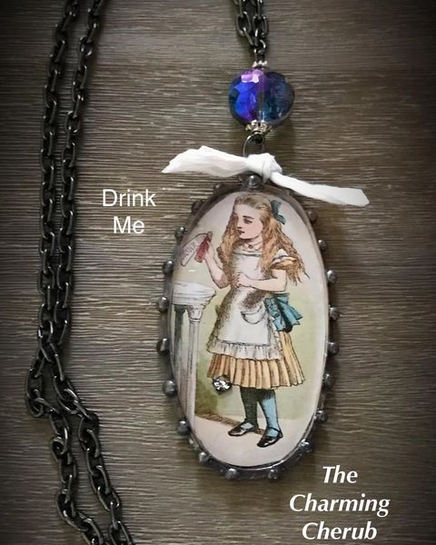 Alice and Wonderland necklace