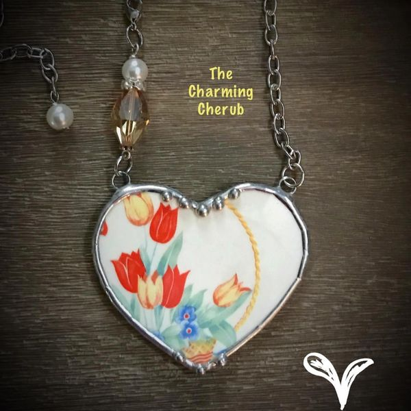 Tulip broken china necklace