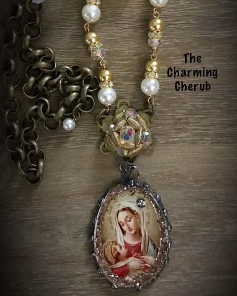 Prayer card necklace Mary and child