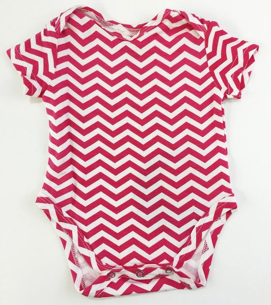 baby onesie short sleeve pink chevron