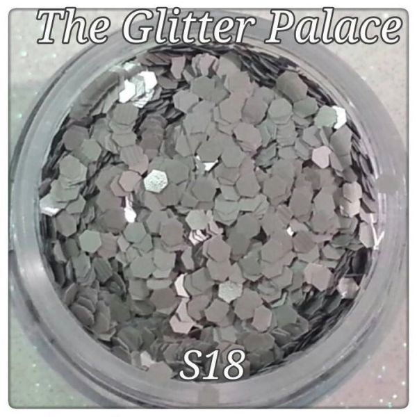 S18 Moon Gray (.062) Solvent Resistant Glitter