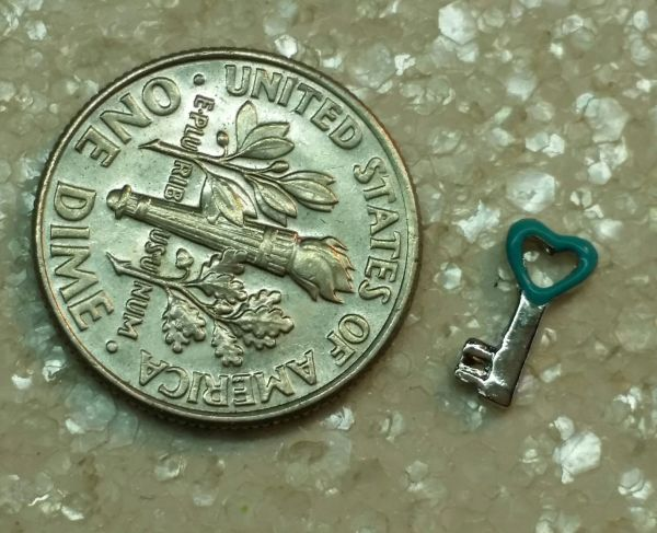 Charm #17 - Blue Heart Key (Perfect For Floating Lockets,, Nail Decoration & Crafts) (one piece)