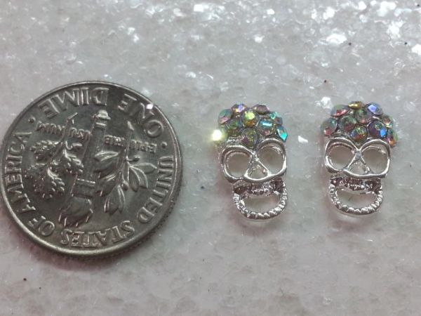 3D Skull #6 Silver Metal Skull Head with Rhinestones (pack of 2)