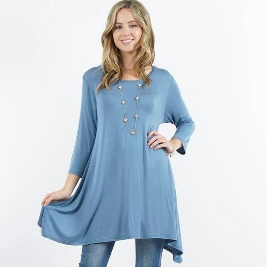 Loose Swing Crew Neck Tunic With 3/4 Sleeves