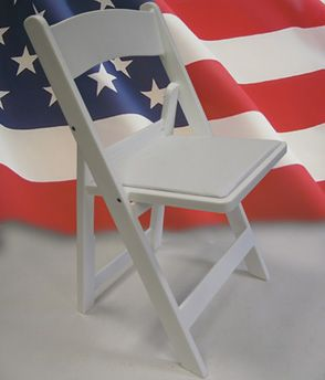 Hot Deal Affordable Chip Folding chair by Drake