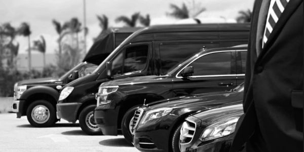 Travel Miami to / from New York with  car Service limo service to NY ,  driver for Miami to New York