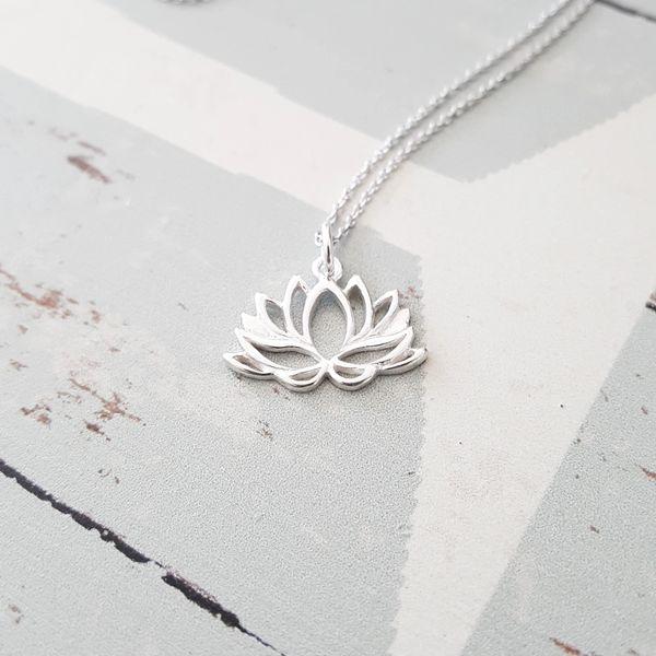 Destiny Sterling Silver Lotus Flower Charm Necklace Flyingtutu