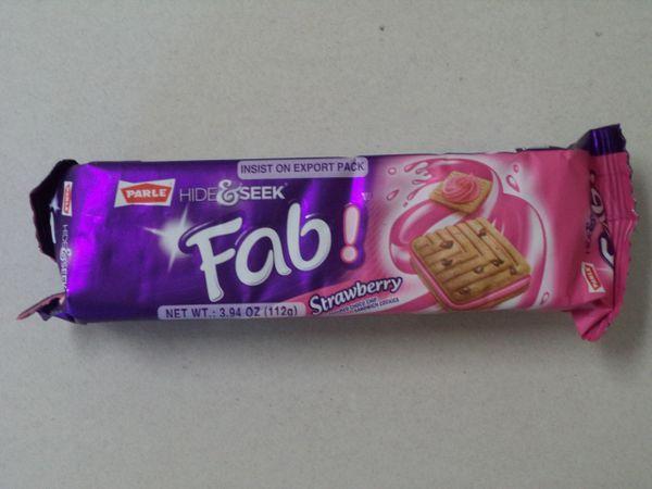 Hide & Seek Fab Strawberry Cookies Parle 112 g