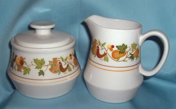 SUGAR BOWL, LID and CREAMER SET - China Japan Noritake Homecoming