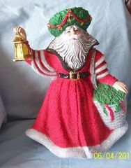 FATHER CHRISTMAS FIGURINE - 1992 Santa Claus Handcrafted Hand-painted Figurine