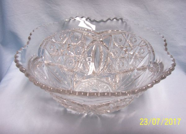 Vintage Footed Cut Glass Crystal Centerpiece Bowl Stars w/Scalloped Edging