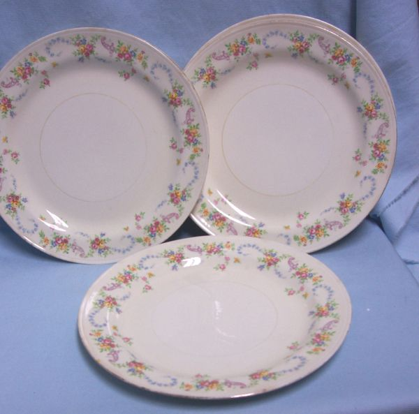 PLATES: Vintage Set of (5) Floral Luncheon Plates Homer Laughlin Eggshell Nautilus Dubarry