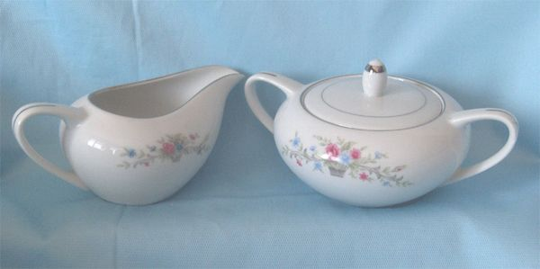 SUGAR AND CREAMER SET - Vintage Fine China Sugar & Creamer Florenteen Japan Fantasia