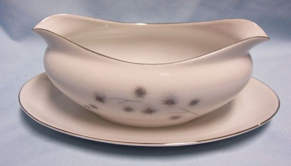 Gravy Boat, Gravy bowl with Underplate by Creative Plantium Star Burst #1014 Japan